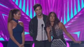 Matthew Daddario's appearance on the Teen Choice awards 2016