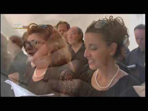 Messe de l'Assomption et angélus à Castelgandolfo