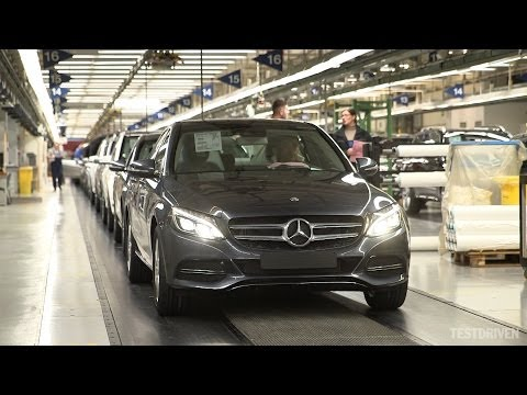 autokaarten Watch the new Mercedes C Class being produced at..