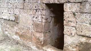 preview picture of video 'Necropoli etrusca della Banditaccia, Cerveteri Roma'