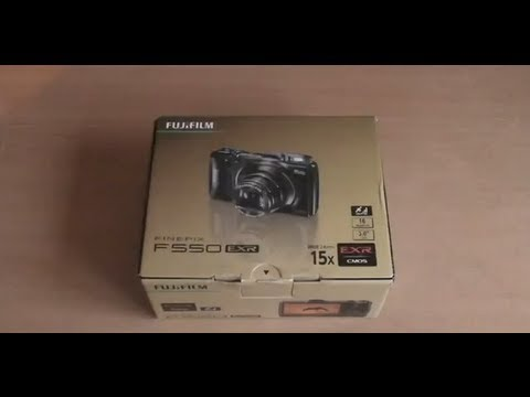 Unboxing: Fujifilm Finepix F550 EXR