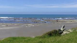 preview picture of video 'Steaming Beach! - East Cape, New Zealand'