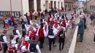 preview picture of video 'Lelekovice Hody 25.9.2010 - Dav kolem obecního úřadu'