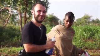 The isolated and primitive African tribe Hamer shocked when they saw the white man