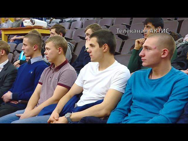Водителей БТР учат в Ангарске