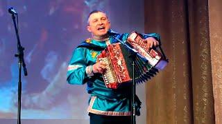 """""""У тебя красивые..."""" поёт гармонист Иван Сургаев. Играй гармонь."""