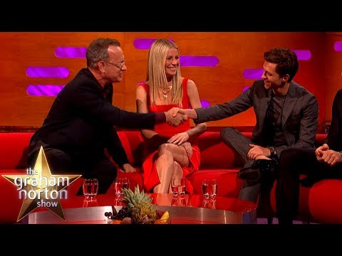 Tom Holland se učí od Toma Hankse a mluví o slávě - The Graham Norton Show