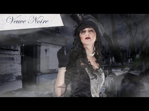 Maquillage de veuve noire pour Halloween