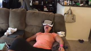 Korean mom ( Extreme fear of heights) with VR funny