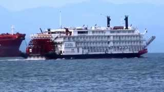 """American Empress"" departs Astoria, Oregon"