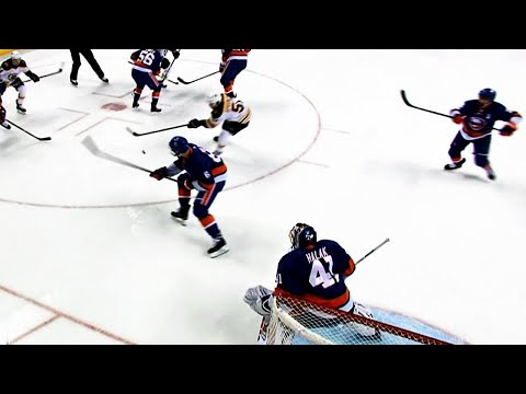 Bruins' Spooner uses backhand to quickly score right off the draw