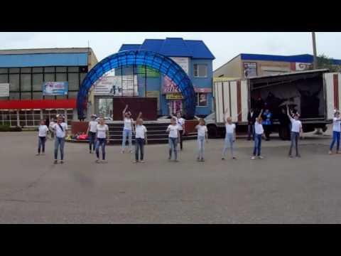 Превосходный танец на День России(с.Варна2016)