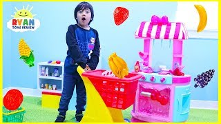 Ryan Pretend Play Cooking and Grocery Shopping with Hello Kitty Kitchen Playset! - Video Youtube