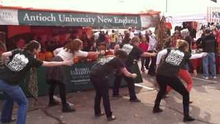preview picture of video 'DMT Students at Keene Pumpkin Festival'