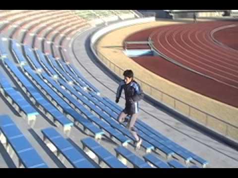 階段での片足ケンケン
