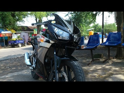 Review Honda CBR 150R Black Speedy