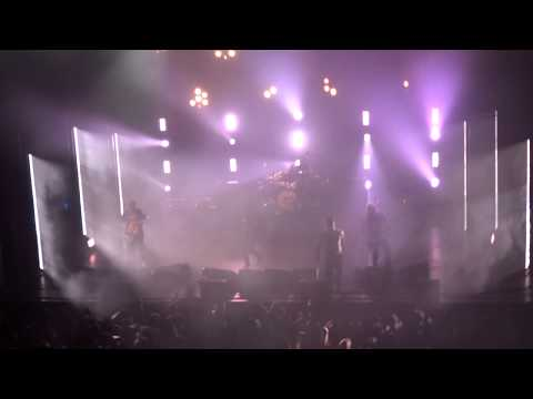 "Alexisonfire - ""This Could Be Anywhere In The World"" (Live In Los Angeles 6-13-19)"