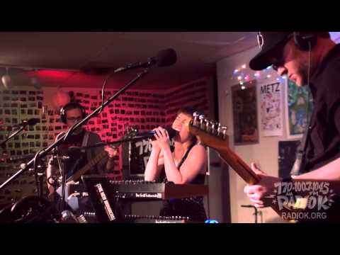 Live on Radio K - Pretend We're Stars (2014)...