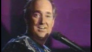 NEIL SEDAKA (Live Slow Version)  - BREAKING UP IS HARD TO DO