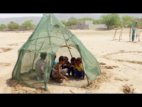 'Five million' children at risk of famine in Yemen