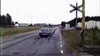 Bosse bränner gummi med sin BMW 3.0 CSI Kompressor
