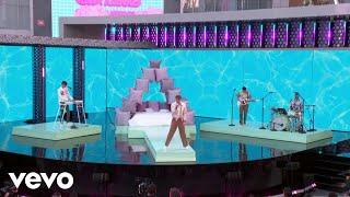 Glass Animals - Glass Animals – Heat Waves (Live on The 2021 Billboard Music Awards)
