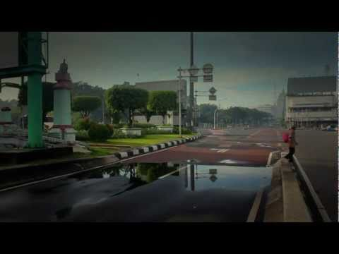 Bangkutaman - Ode Buat Kota (Official Music Video)