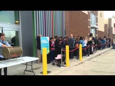 Food, music, dancing at Nordstrom Rack opening