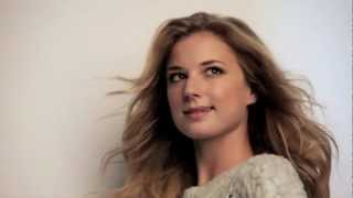 Women's Health - Behind the scenes with Emily VanCamp (avril 2013)