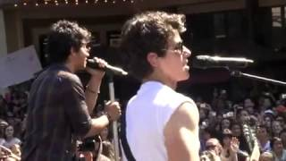 The Jonas Brothers-S.O.S Live at The Grove HD