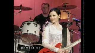 waltzing back The Cranberries with lyrics