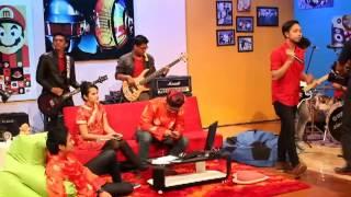 CLUSTER - FEEL (Live show @Jtrax Surabaya imlek edition)