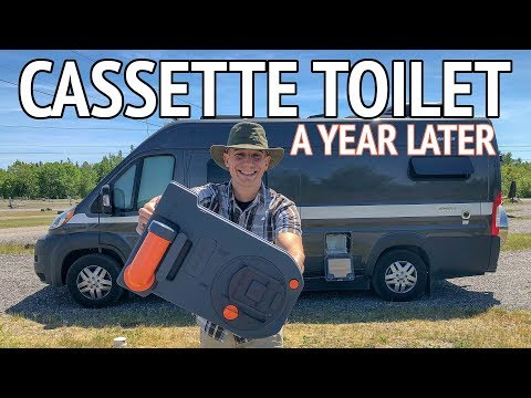 Cassette Toilet Review – What Is it? How Do You Use it? Where Do You Dump It?