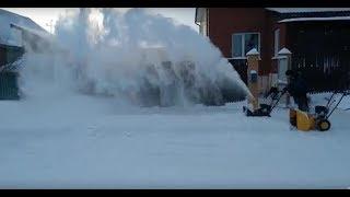 Сравнение двух снегоуборщиков видео