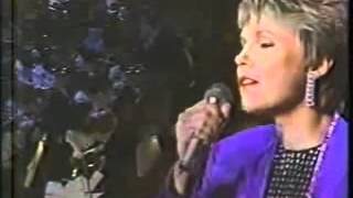 Anne Murray with The Bostons Pops  - I Just Fall in Love Again