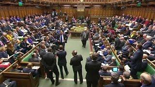 """Британия: парламент поддержал план кабинета по """"брекситу"""""""