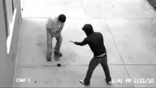 Грабитель неожиданно напал на мужика (Гопник\кража)
