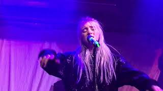 Gambar cover Billie Eilish - Six Feet Under - Live at the Jazz Cafe