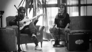 "Video thumbnail of ""Bomba Estéreo / Sintiendo / Sonido directo tv"""