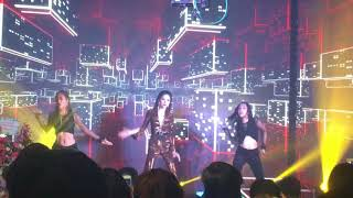 Em không hối tiếc - Hương Giang Idol (Live)