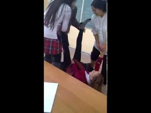 Одноклассницы изучают позы=).avi
