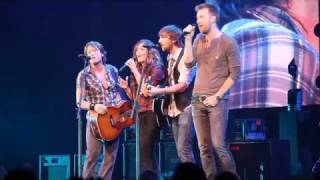 "Lady Antebellum sings ""Seven Bridges Road"" with Keith Urban"