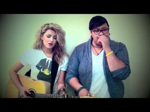 Một chị dễ thương hát hay và Một chị Beatbox quá đỉnh. Kết hợp quá tuyệt vời