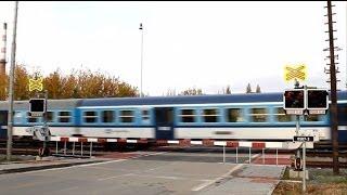 preview picture of video 'Železniční přejezd: Bučovice 1 (spoorwegovergangen in Tsjechië)'