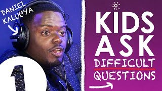 """""""Are you rich?!"""": Kids Ask Daniel Kaluuya Difficult Questions"""