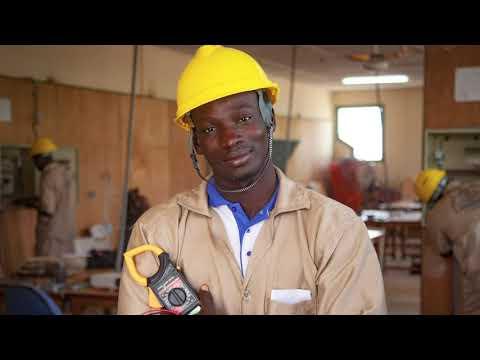 Des jeunes apprentis du secteur de la construction au Burkina Faso racontent leur parcours. Le témoignage de Souleymane