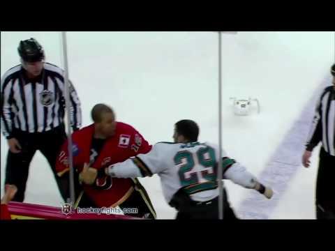 Jarome Iginla vs. Ryane Clowe