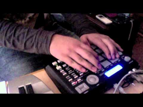 DJ NyT Making a Beat On The MPC500 with Boon Doc, Just Blaze, Pete Rock
