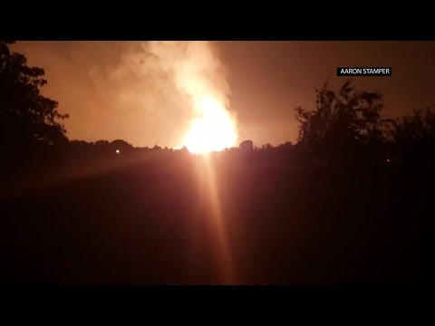 A regional gas pipeline ruptured early Thursday in Kentucky, causing a massive explosion that killed 1 person, hospitalized five others. (Aug 1)
