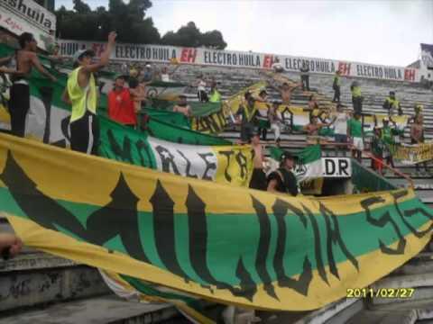 """""""AVS lo que quedo de los escombros"""" Barra: Artillería Verde Sur • Club: Deportes Quindío"""